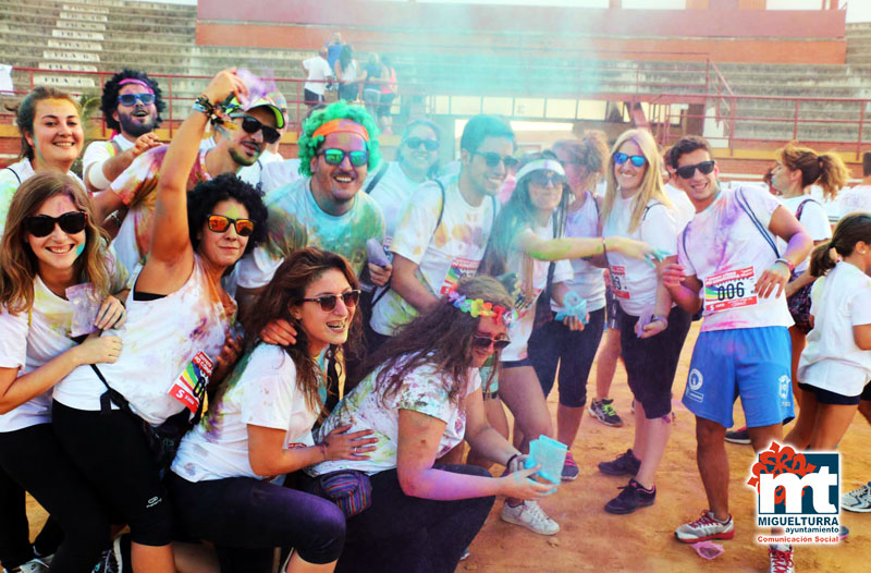 Jovenes en la carrera de polvos de colores ferias 2015 Miguelturra