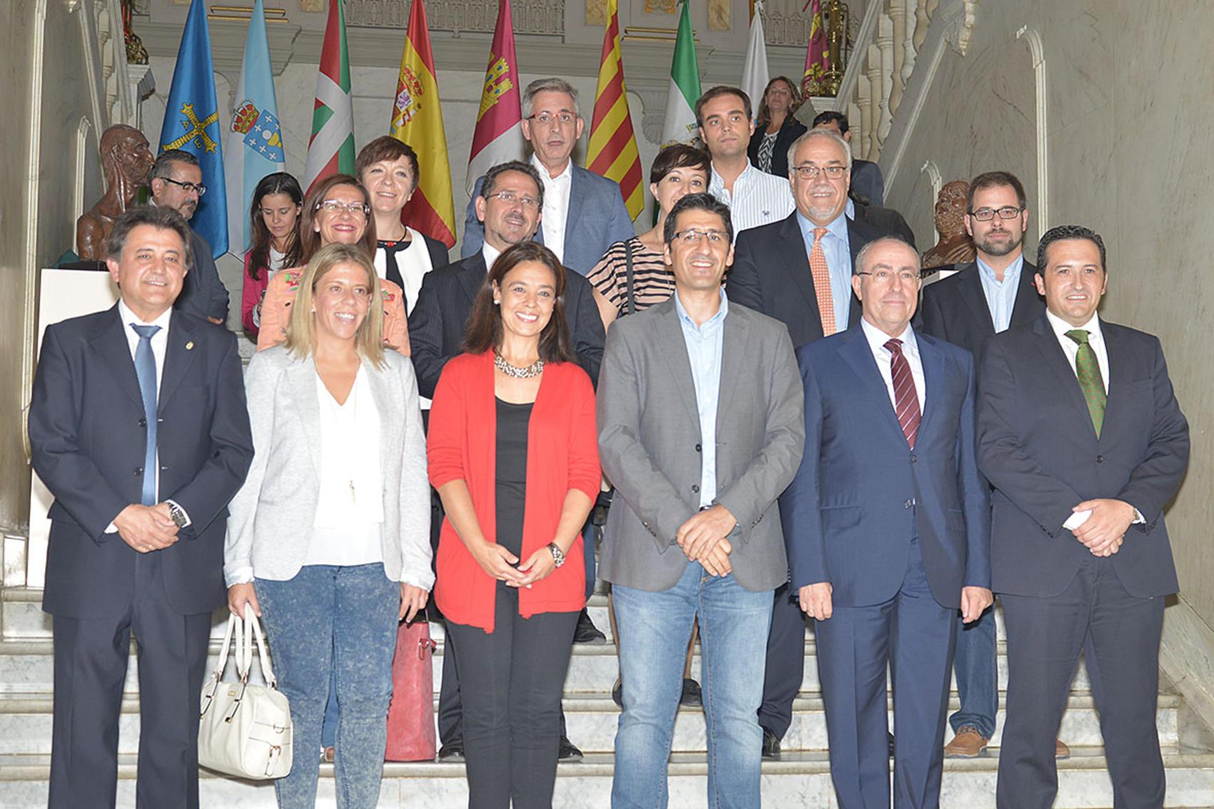 La Diputación, los principales pueblos de la provincia y la Cámara, unidos contra el paro juvenil