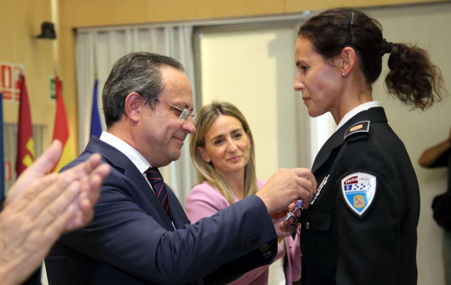 Mercedes Lillo Mata recibe la Medalla de Plata al Mérito Profesional