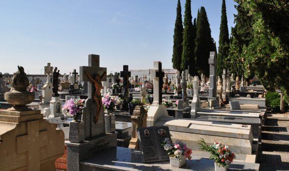 El Ayuntamiento de Daimiel amplía el plazo de limpieza de sepulturas al jueves 29 de octubre