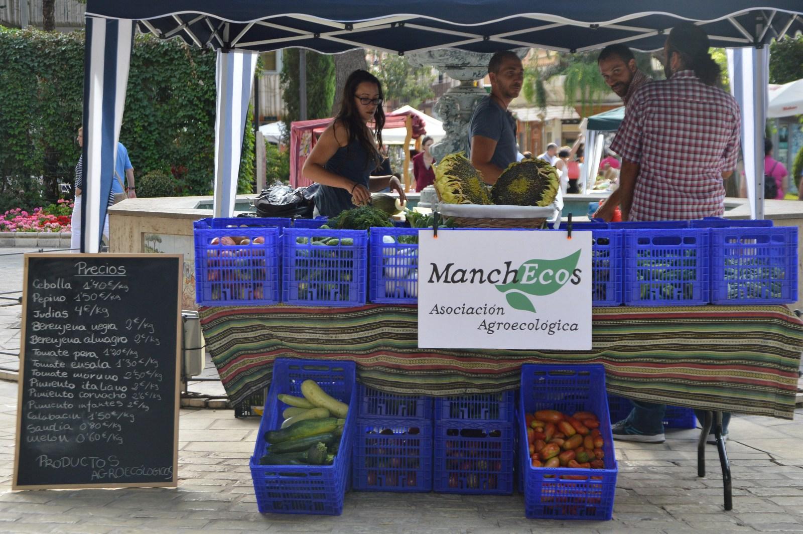 Artesanía y productos ecológicos en la primera jornada Eco Artesanal de Daimiel
