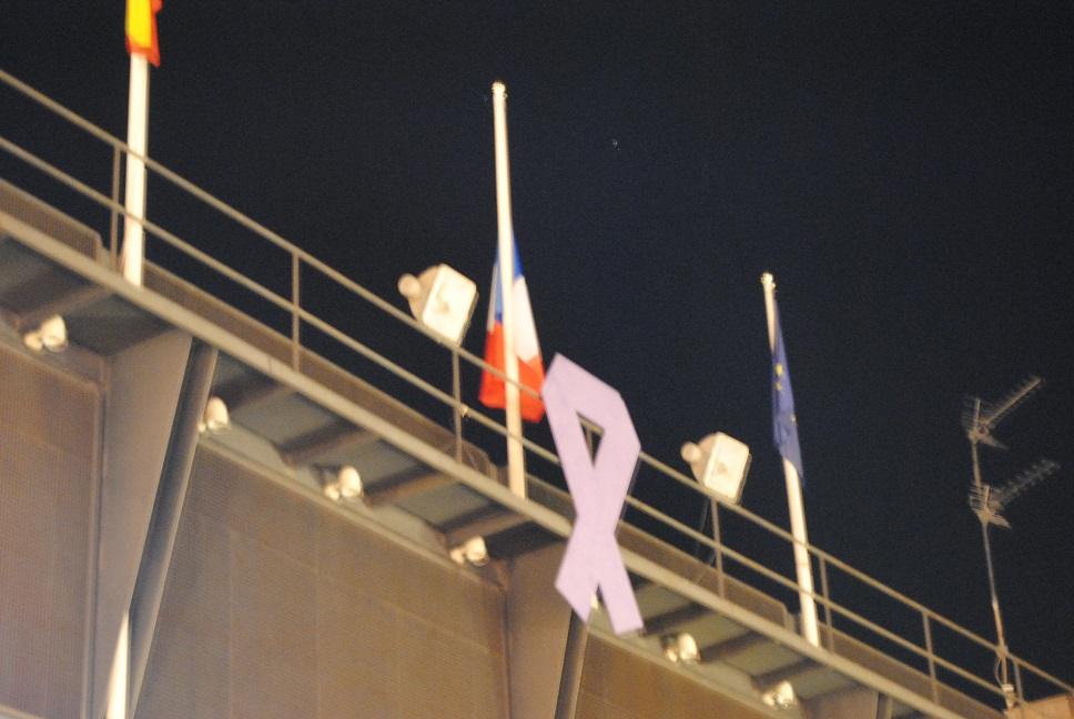 Valdepeñas se solidariza con Francia por los atentados de París