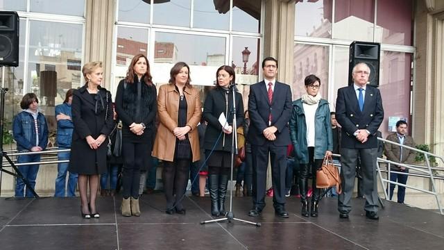Concentración ante la barbarie terrorista en París