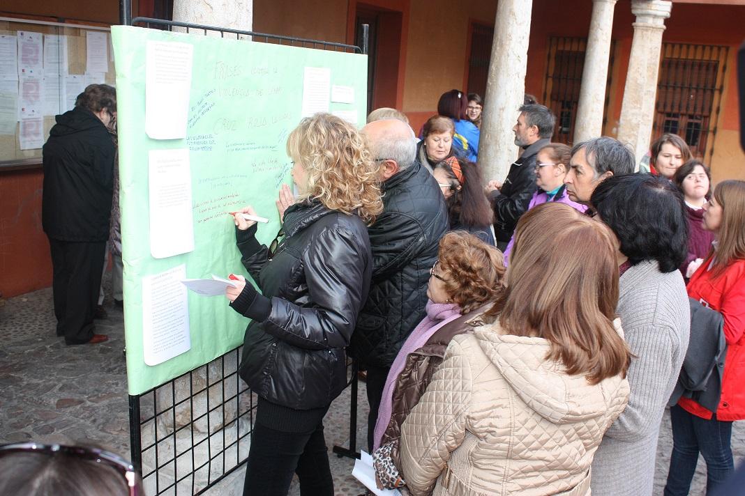 Concentración en la Plaza Mayor contra la violencia de género