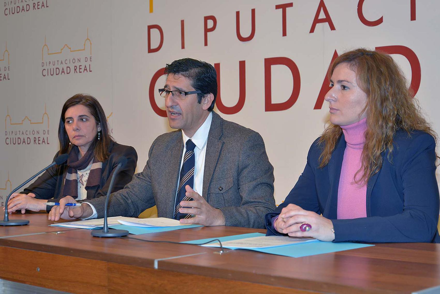 Diputación y Junta destinan 28 millones de euros a crear empleo en la provincia en 2016