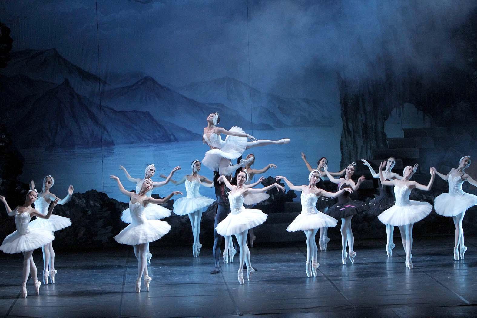 """""""El lago de los cisnes"""" llega a Valdepeñas de la mano del Russian National Ballet"""