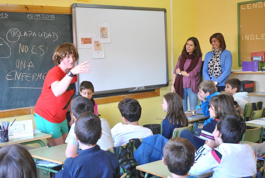 """La discapacidad llega a los escolares de la mano del cuento """"Mi hermana Lola"""""""