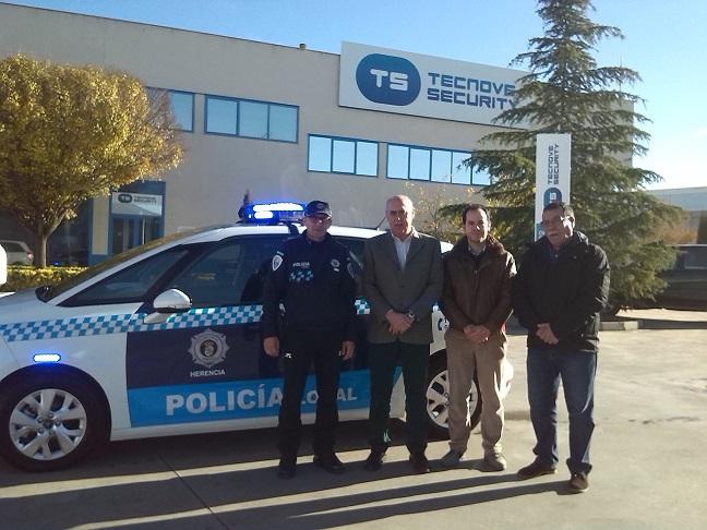 El Ayuntamiento de Herencia presenta el nuevo vehículo para la Policía Local