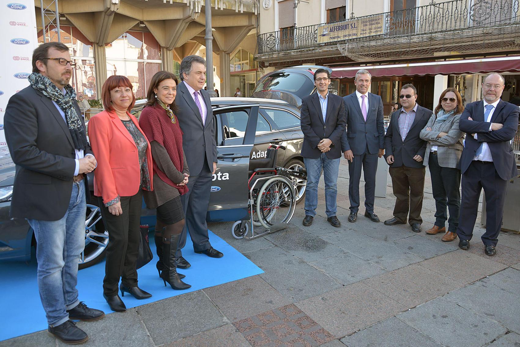Caballero apela al compromiso de empresas e instituciones para facilitar la vida de las personas con discapacidad