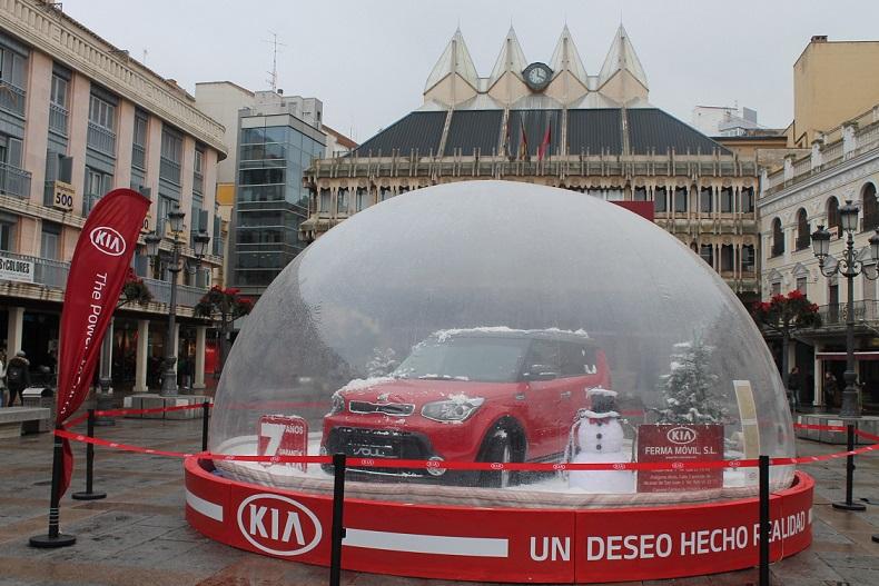 Ferma Móvil impulsa un evento KIA en la plaza mayor de Ciudad Real