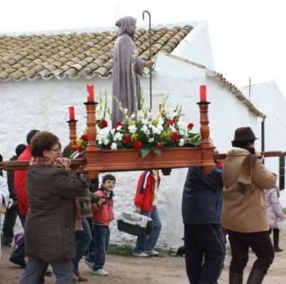 San Antón, una hermandad 'pobre' que prepara con ilusión la fiesta de los animales