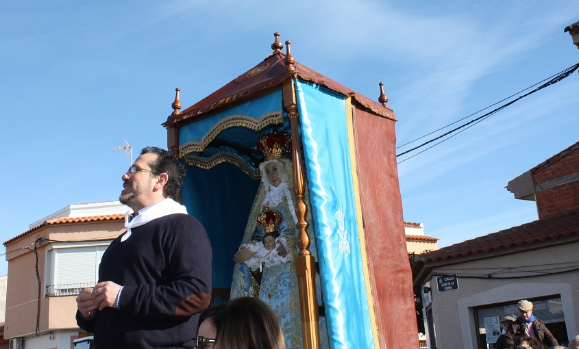 La tradición se llevó un año más a la Virgen de Peñarroya al Castillo de su nombre