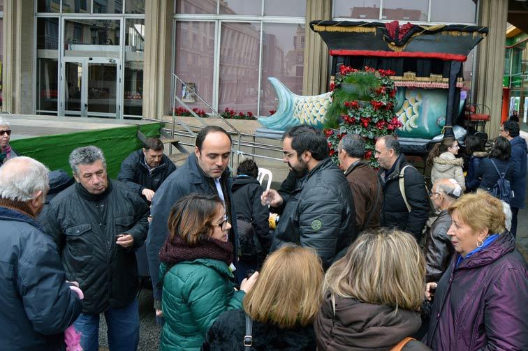 Duelo en la Plaza Mayor de Ciudad Real por la muerte de Doña Sardina