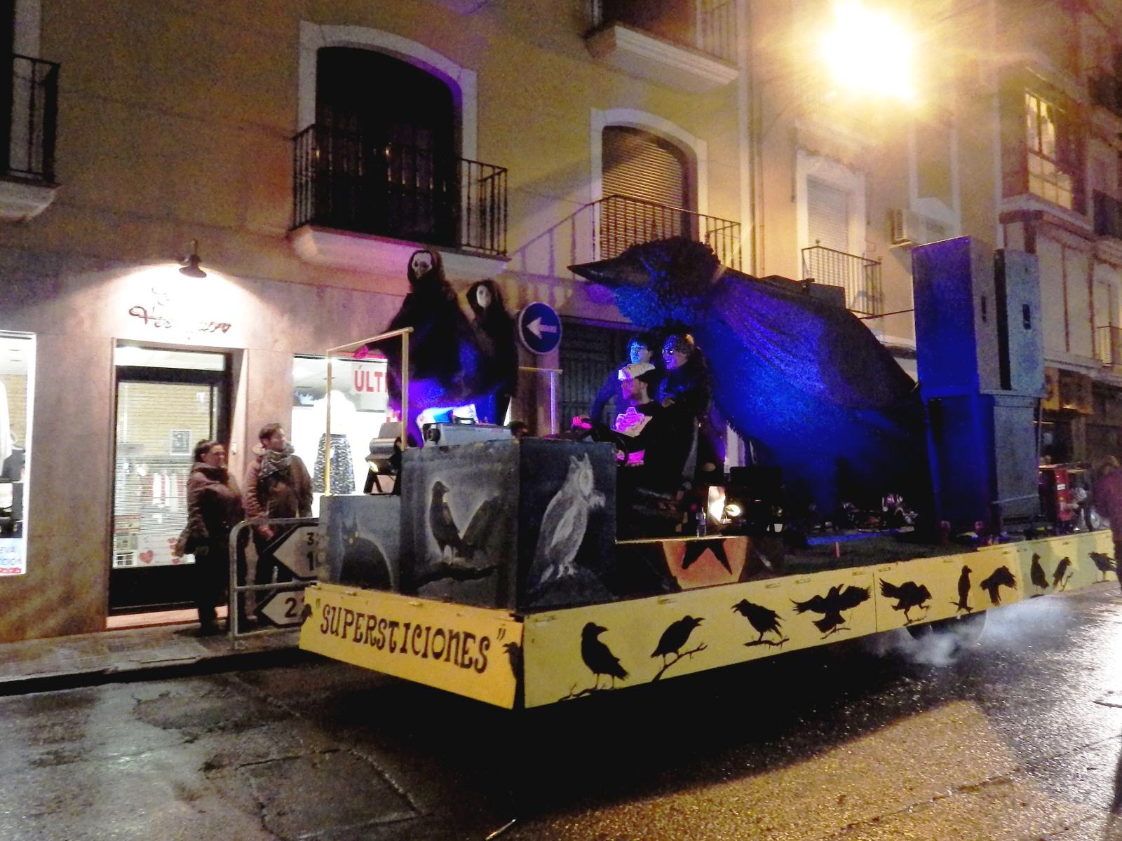 La Sardina es despedida ante un multitudinario cortejo carnavalero