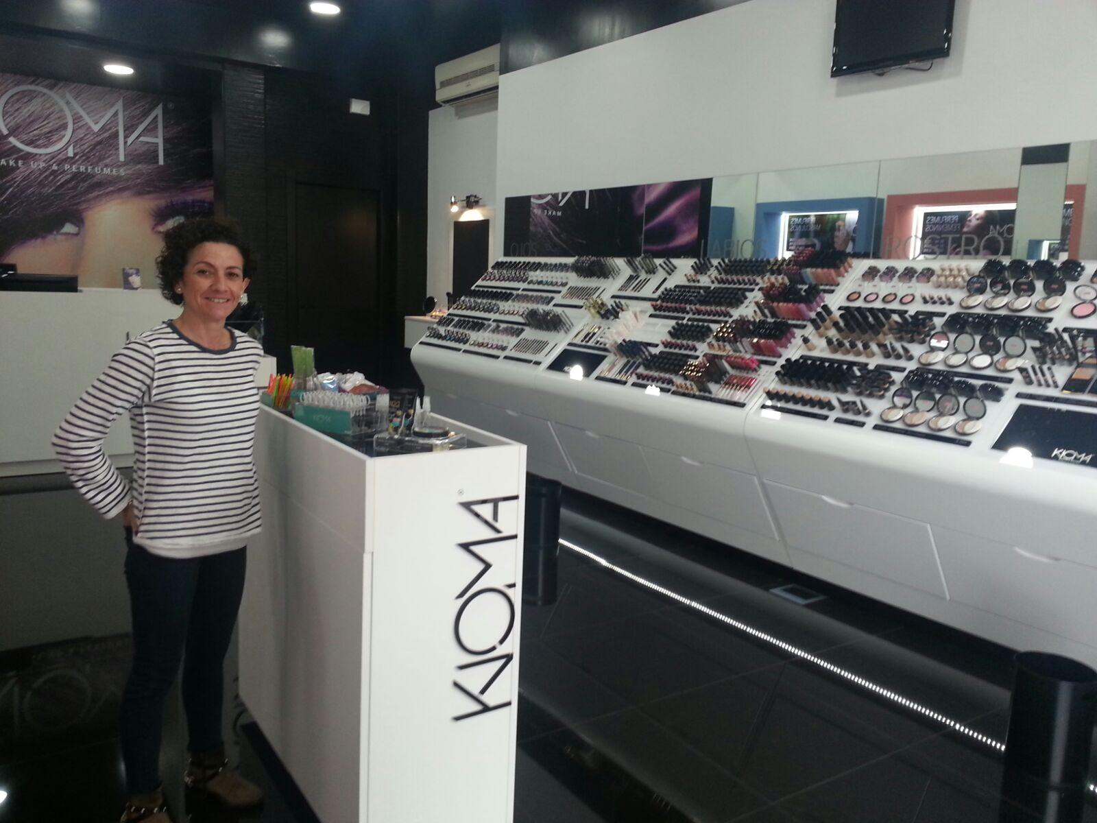 Maquillaje y perfume en Kioma