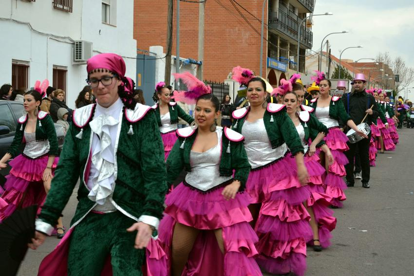 La charanga «Los que nunca fallan» ganan el Desfile de Carrión de Calatrava de un carnaval muy participativo