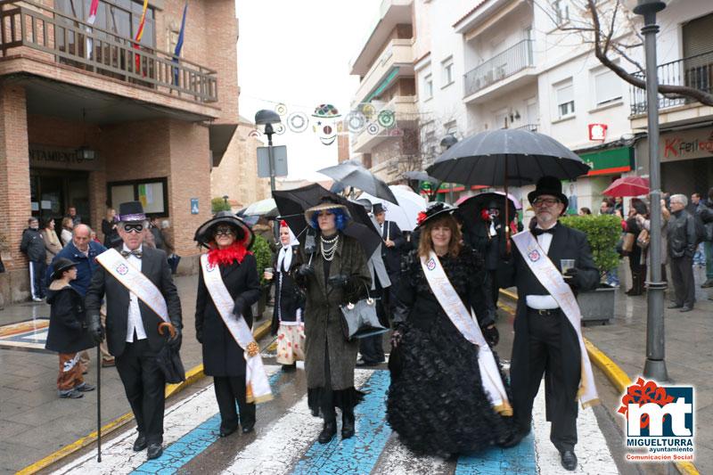 Miguelturra entierra con honores y agua a la Sardina