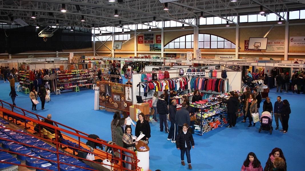 La nueva ubicación revitaliza la Feria del Stock, que sube en público y ventas