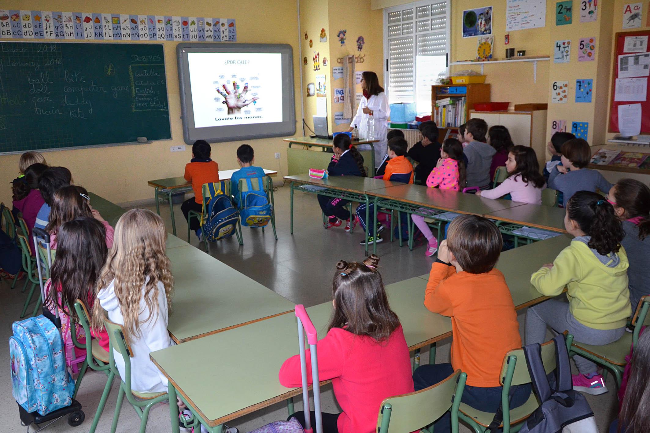 El Área de Sanidad promueve hábitos de higiene entre los escolares