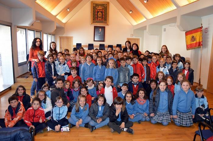 El Ayuntamiento de Ciudad Real se llena de escolares de centros educativos de Ciudad Real y Toulouse