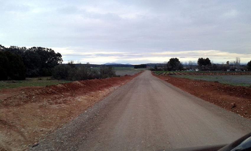 El Ayuntamiento de Carrión continúa con la mejora de los caminos públicos, y termina urbanización de la calle Elisa Sánchez Ramos
