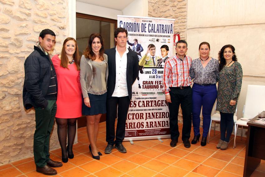 El rejoneador Ginés Cartagena y los espadas Víctor Janeiro y Carlos Aranda, cartel taurino de Feria en Carrión