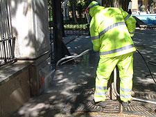 16 operarios del III Plan de Empleo de la Diputación refuerzan las labores de limpieza en Ciudad Real