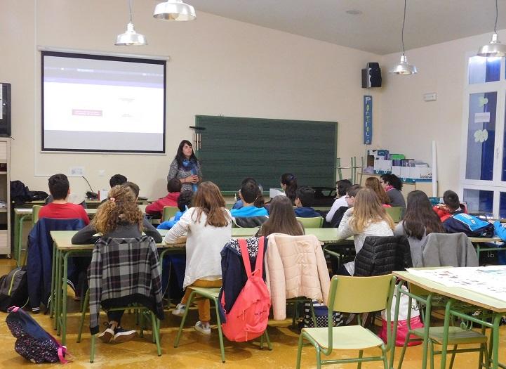 Los alumnos de 1º de ESO de Daimiel son educados en la prevención de violencia de genero con una aplicación para el móvil
