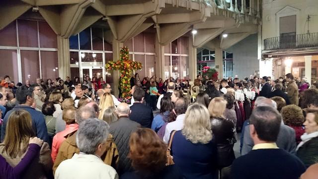 Inaugurada la Cruz de Mayo elaborada por el Servicio de Parques y Jardines en la Plaza Mayor de Ciudad Real