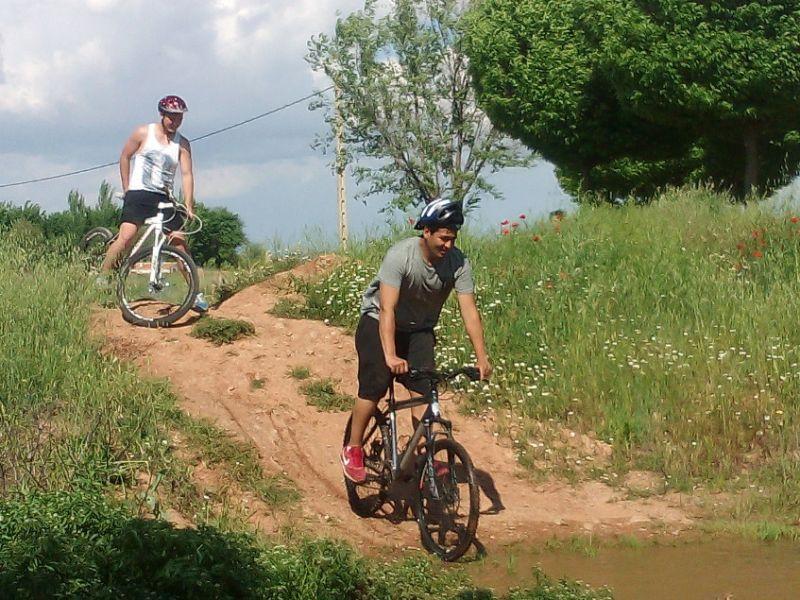 Jóvenes y adolescentes de Manzanares realizan su primera ruta en bicicleta