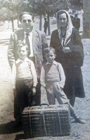 Pedro María Román y su familia en la Romería de San Isidro en el año de su llegada a Manzanares