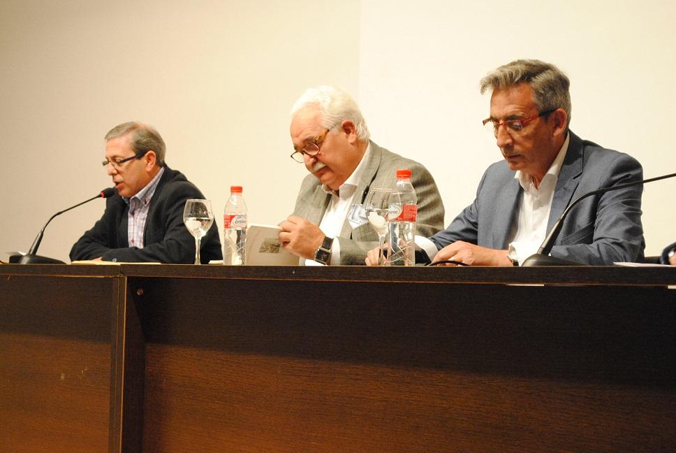 """Carbonell retorna a Valdepeñas rindiéndole homenaje con """"Tres libros sin amor"""""""
