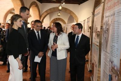 Los Reyes en la Exposición sobre Cervantes y el Quijote