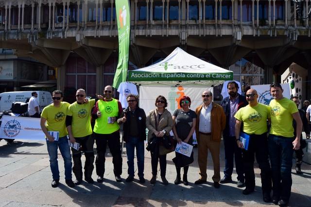 """El proyecto solidario """"Rodando contra el Cáncer"""" hace parada en la Plaza Mayor de Ciudad Real"""