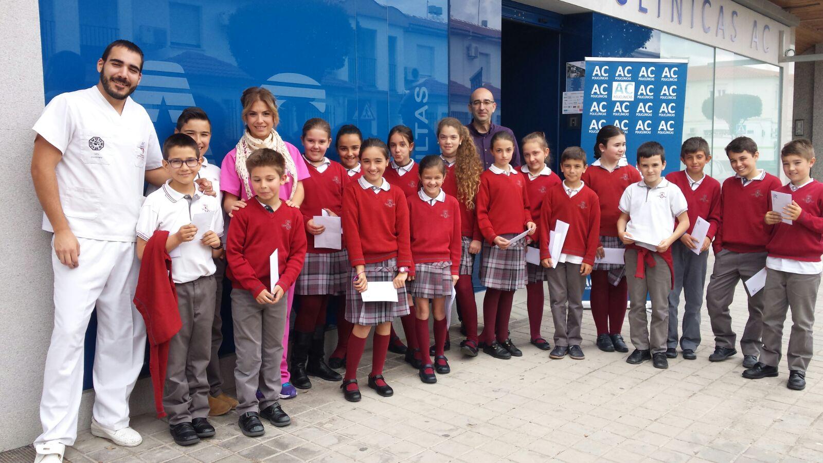 Alumnos del Colegio Don Cristóbal visitan Policlínicas AC