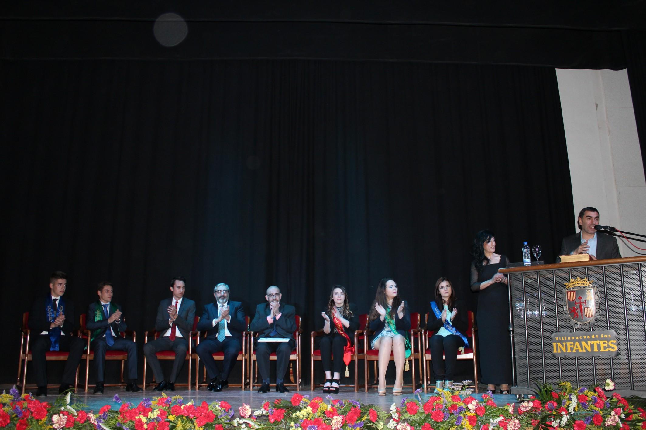 """El día 1 de mayo se inauguraban oficialmente las """"Cruces y Mayos 2016"""" de la ciudad de Villanueva de los Infantes con un singular pregón cargado de matices y emociones"""