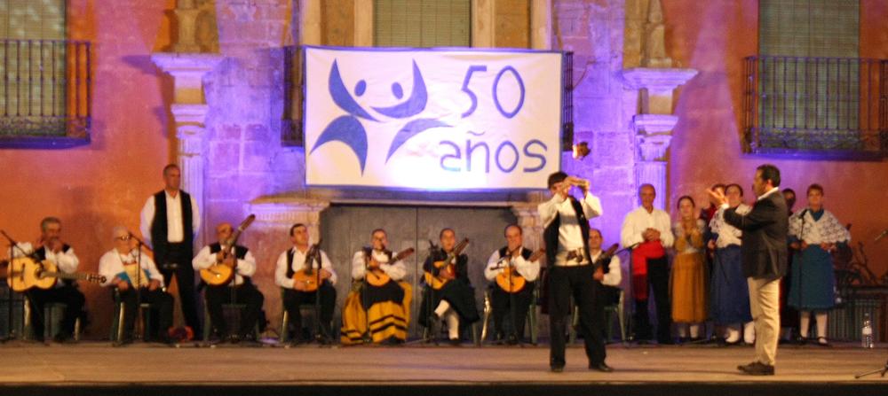 Trovadores de la Mancha celebran 50 años velando por el cuidado de las raíces y tradiciones criptanenses
