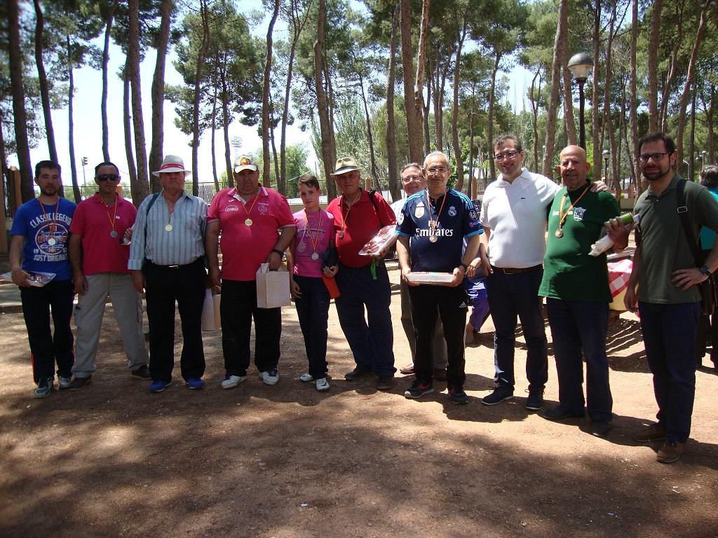 Disputado el Campeonato de Petanca y Caliche organizado por la FAVA en el parque Alces de Alcázar
