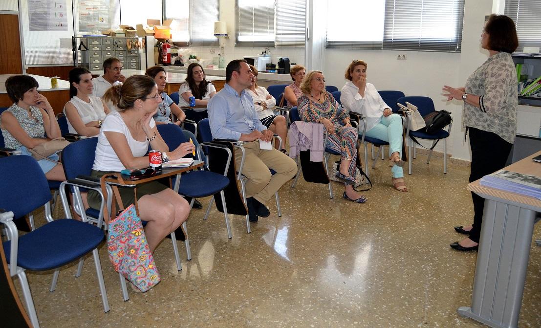 El Colegio de Farmacéuticos de Ciudad Real actualiza los conocimientos de los profesionales sobre el ojo rojo