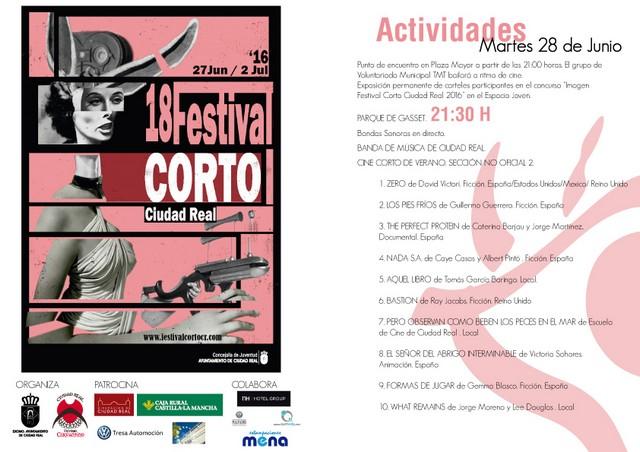 Proyección de cortometrajes de la sección no oficial en el Parque de Gasset. 18 Festival Corto Ciudad Real