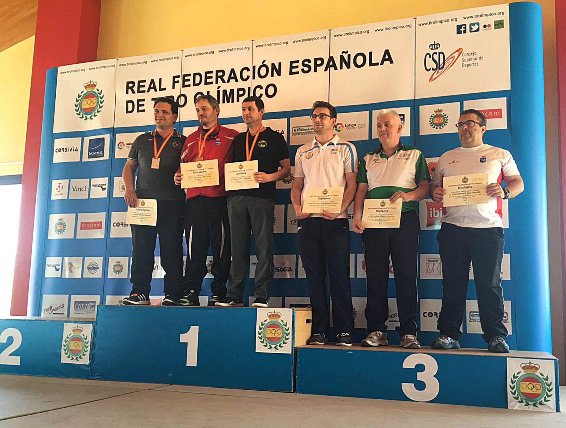 Gabriel Moya bronce en la copa de SS.MM. del Rey y la Reina de pistola libre 50 m.