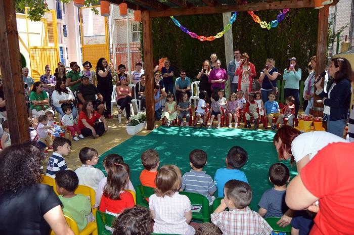 Graduados los alumnos que terminan su estancia en la Escuela Infantil de la Granja