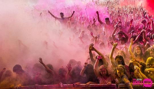 La Holi Run llena Ciudad Real de color y ambiente festivo