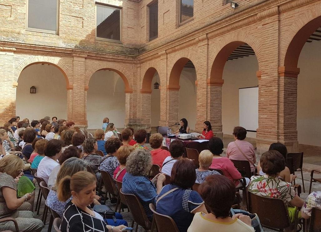 Empoderamiento, liderazgo y visibilidad de la mujer reúnen a 130 mujeres del Campo de Montiel