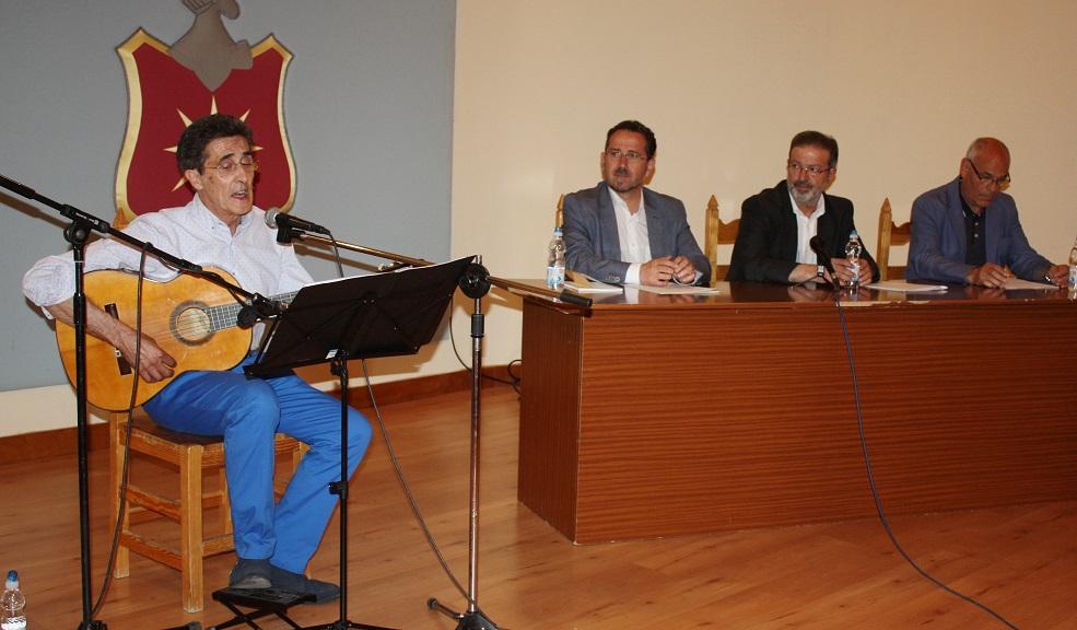 Luis Díaz-Cacho y Nemesio de Lara presentan su libro de poesía social «En el Sáhara las palomas comen cuscús»