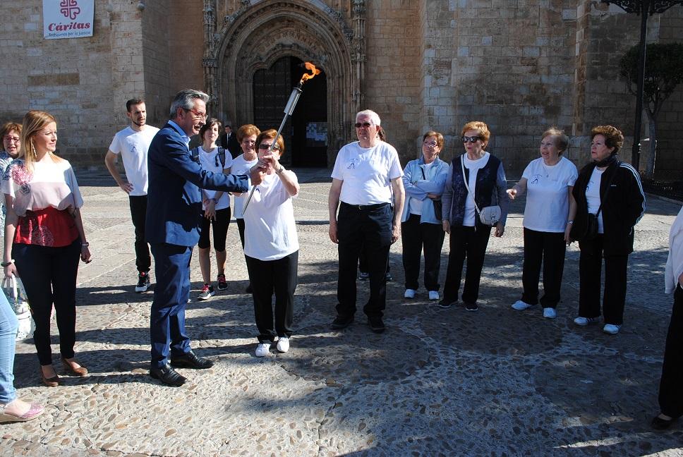 El alcalde dio pistoletazo de salida a las 'XXII Olimpiadas de los Mayores' de Valdepeñas