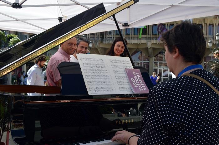 Ciudad Real celebra la Fiesta de la Música con un piano en la Plaza Mayor a disposición de quien lo quiera tocar