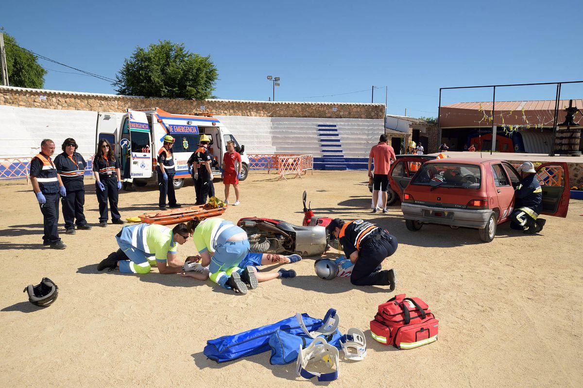 Protección Civil pone a prueba su capacidad de reacción en un simulacro de accidente de tráfico
