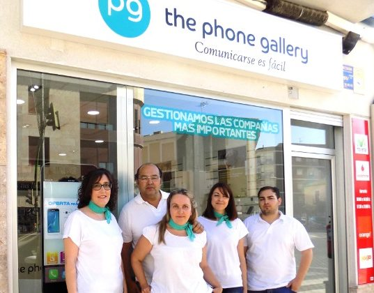 Atractiva oferta de reapertura y tarifas especiales en 'La tienda de los móviles de la plaza' de Alcázar de San Juan