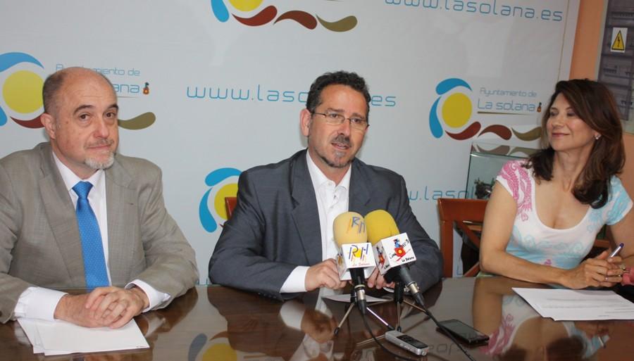 La Junta adelanta 185.000 euros para el plan de empleo del Ayuntamiento y el Legado Bustillo